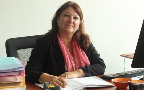 Mme Karine DUVEY